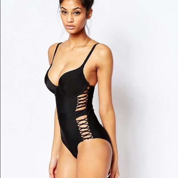 Wolf & Whistle Other - Wolf & Whistle Plunge Macrame Lace Up Swimsuit